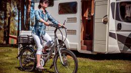elcykel på campingpladsen